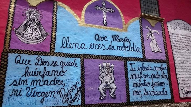 Mural de Mujeres Creando que causó el repudio y desaprobación de la población religiosa paceña