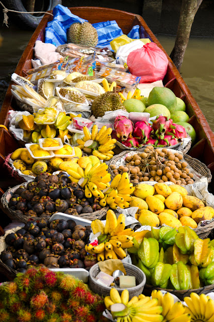 Плавучий рынок (Damnoen Saduak) в Таиланде