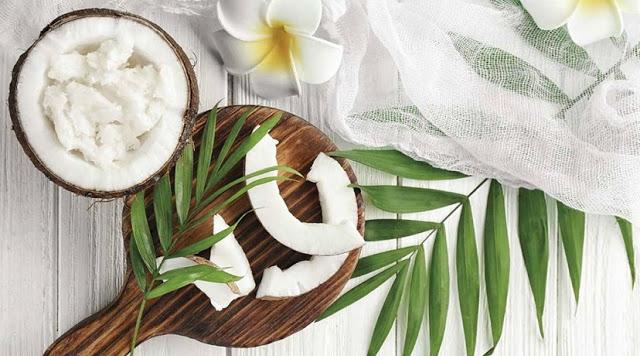 El aceite de coco y sus beneficios para la piel