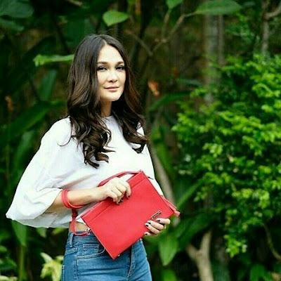 Luna Maya JH Coco Clutch Bag