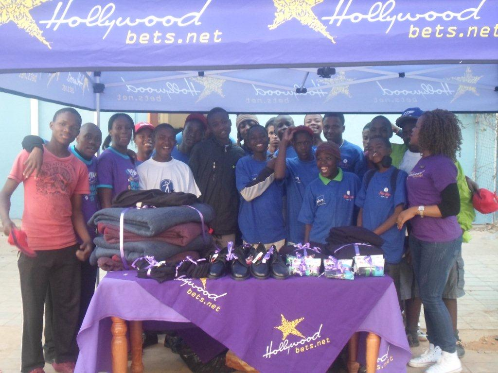 Hollywoodbets Hillbrow donated some essential items to Twilight Children as part of the Hollywoodbets Social Responsibility Programme