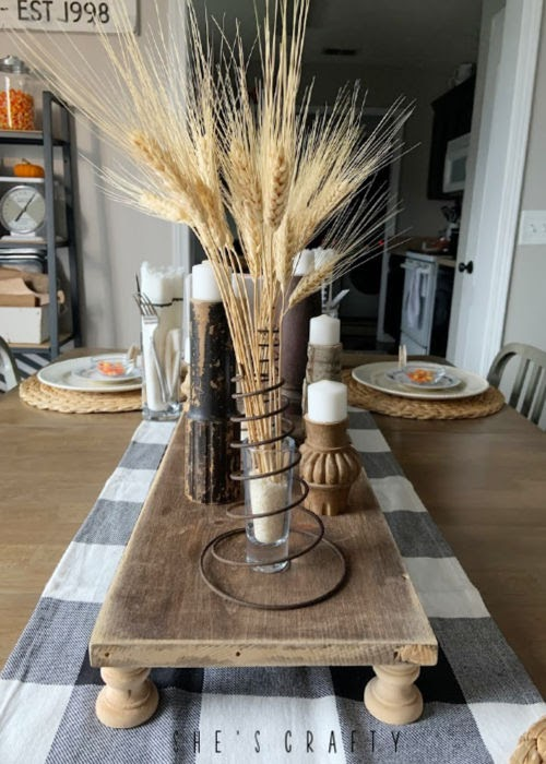 Thanksgiving table setting - centerpiece