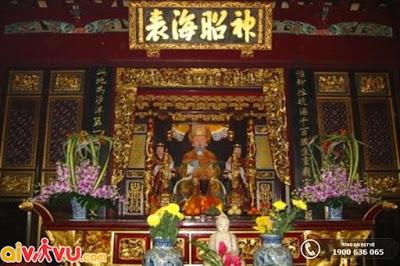 Đây là nơi thờ phụng bà Thiên Hậu, vị nữ thần bảo trợ ngư dân và người đi biển
