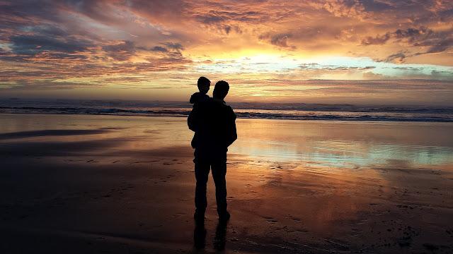 Padre e figlio al tramonto Riccione