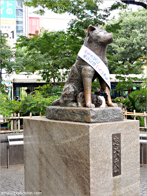 Escultura de Hachikō en Shibuya, Tokio