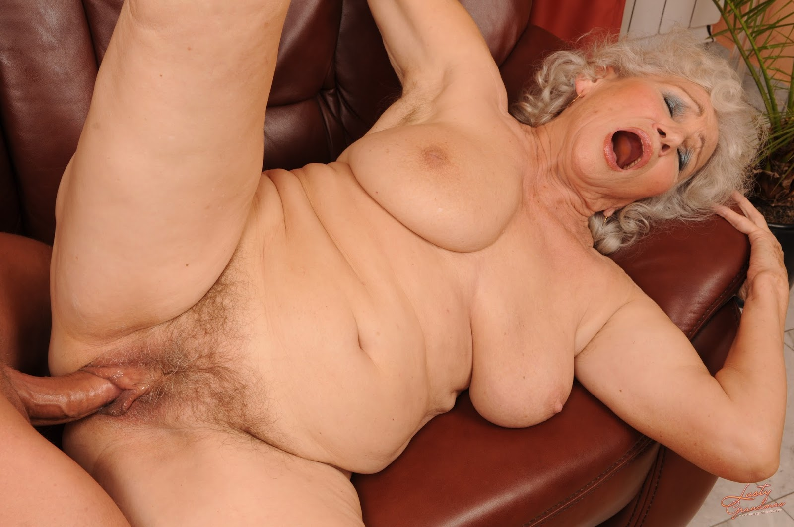 огромные бабушки секс