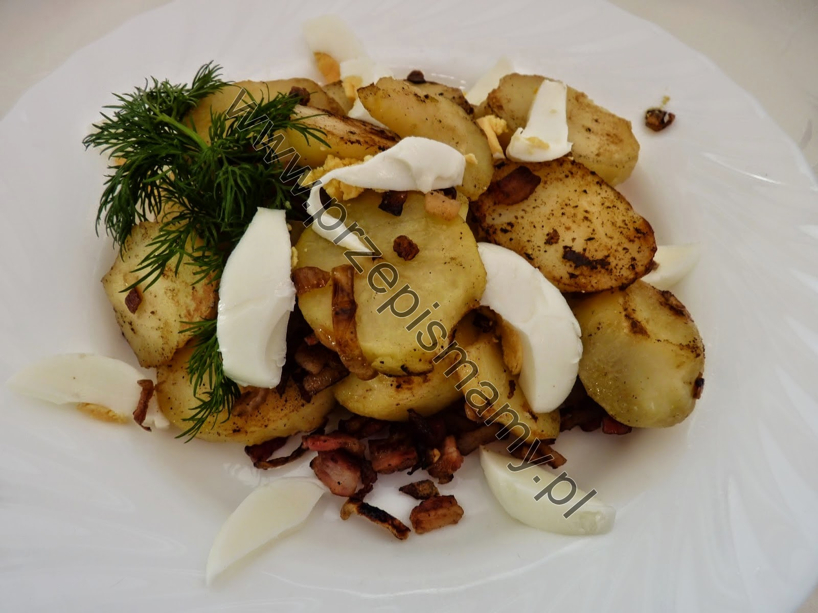 Ziemniaki pieczone z jajkiem gotowanym