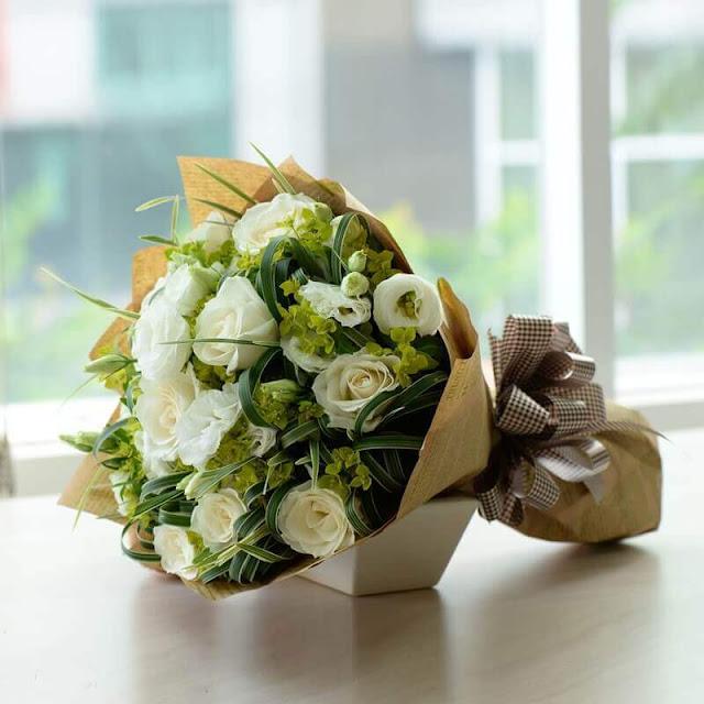 bo hoa hong trang