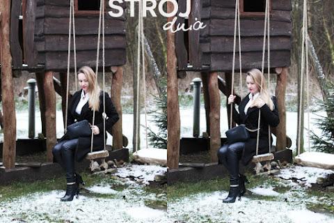 Strój dnia | Woskowane spodnie, czarny taliowany płaszcz i biała koszula - czytaj dalej »
