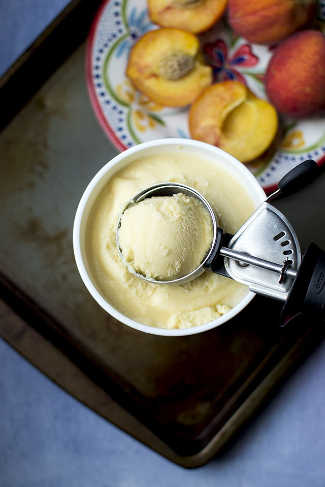 Eggless Peach Ice Cream