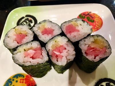 金沢まいもん寿司のとろたく巻き