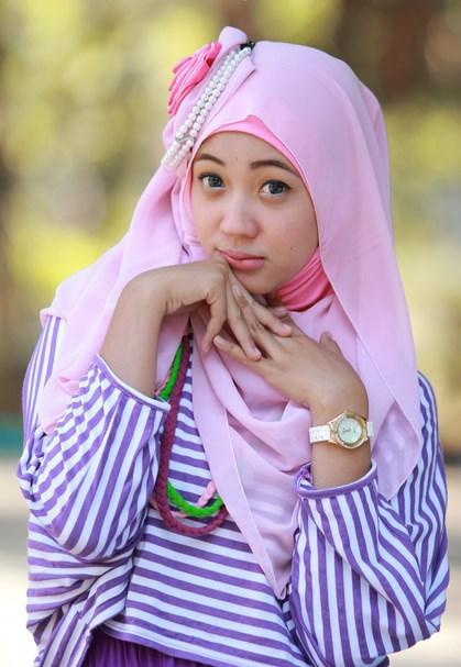 Konsep Foto Hijab Potrait pink Pastel
