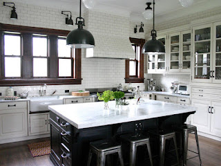 Design-of-Kitchen-Cabinet-Black-and-White