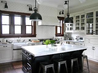 Design-of-Kitchen-Cabinet-Black-and-White