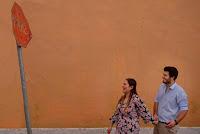 ensaio pré casamento realizado no litoral gaúcho numa vila histórica de torres e à beira mar de um casal italo brasileiro noiva brasileira noivo italiano enólogos que fizeram destination wedding no rs com organização e cerimonial de fernanda dutra eventos