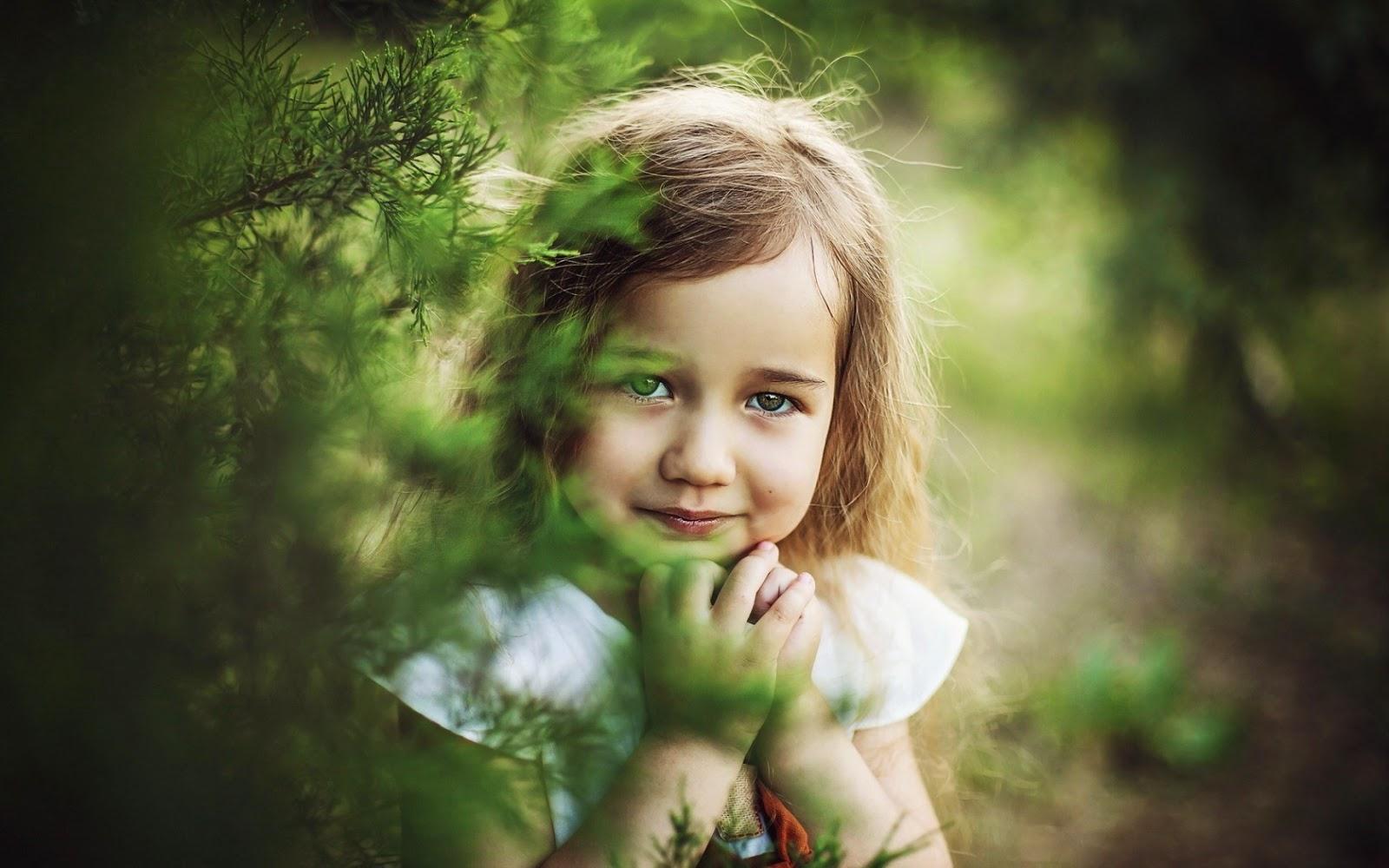 Gambar anak kecil perempuan cantik gratis wallpaper