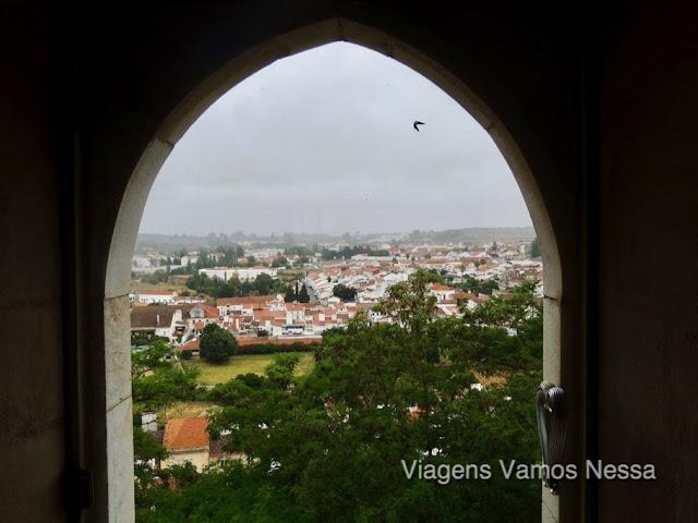 Estremoz, janela do Castelo construído por rei D. Afonso III, hoje transformado em uma pousada.