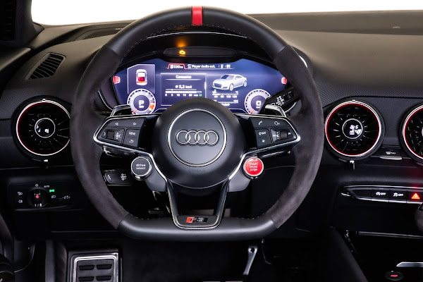 Audi TT RS chega ao Brasil com preço de R$ 443 mil
