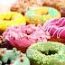 Ezért érdemes inkább nemet mondani a színes, cukros fánkokra és társaikra