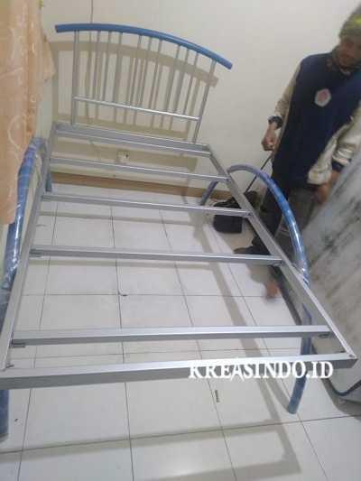 Ranjang Besi Keren pesanan Bu Yudistira di Ciledug Tangerang sudah Selesai