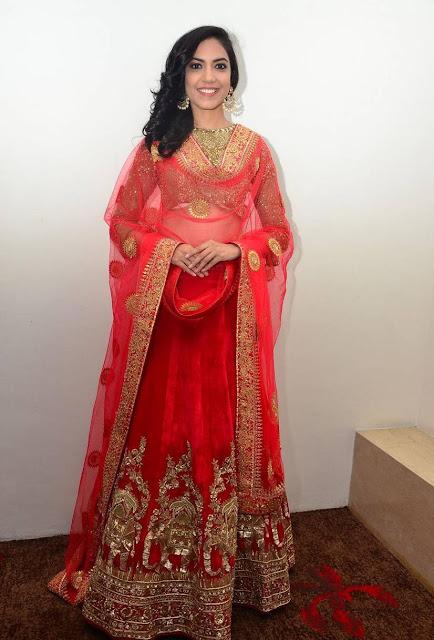 Ritu Varma Long Hair In Indian Traditional Red Dress Navel Queens