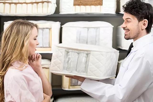 Yaylı yataklar icat edildiği günden bugüne en çok tercih edilen yatak türüdür. Peki kimler yaylı yatak satın almalı ya da almamalı?