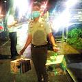 Dihadang Petugas, 5 Ekor Ayam Batal Naik Ferry.