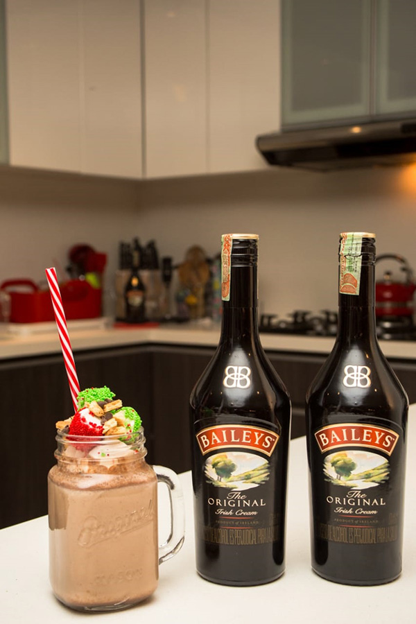 Smores-Hot-Chocolate-Baileys