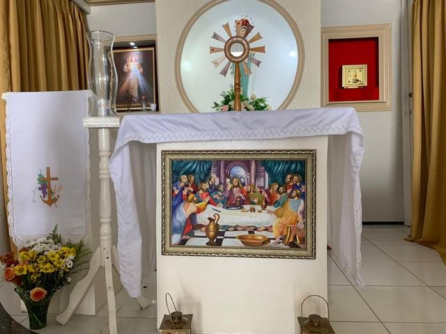 Ladrão 'se arrepende' e devolve quadro furtado de igreja no interior do Ceará