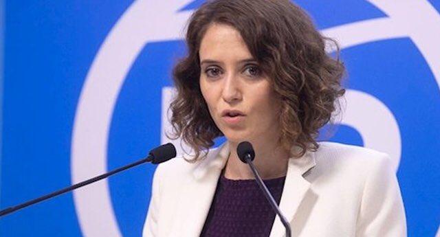 """Díaz Ayuso pide a Sánchez que """"no retenga"""" el material sanitario de la Comunidad de Madrid"""