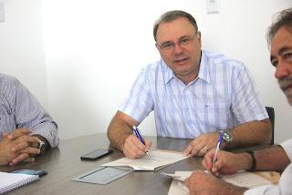 Prefeito de Registro-SP assina novo convênio com Itesp para regularizar mais de 2.500 imóveis urbanos