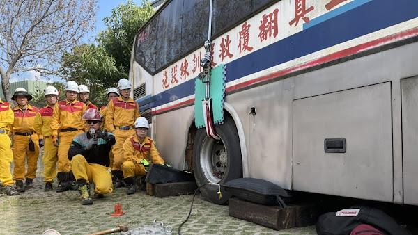 彰化縣消防局特種搜救隊 大型運輸工具車禍救援訓練