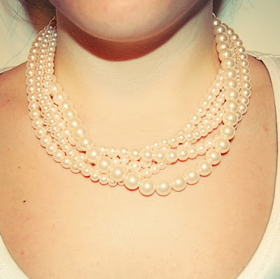 Twisted pearl statement necklace