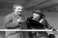 قصة حياة البرت اينشتاين - عالم، فيزيائي، مخترع