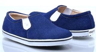 Model Sepatu Anak Laki Laki Berbahan Jeans Casual