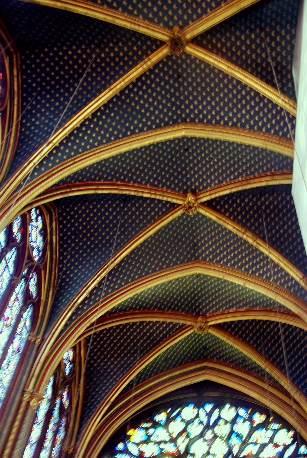 Bóveda de crucería en la Sainte Chapelle, París