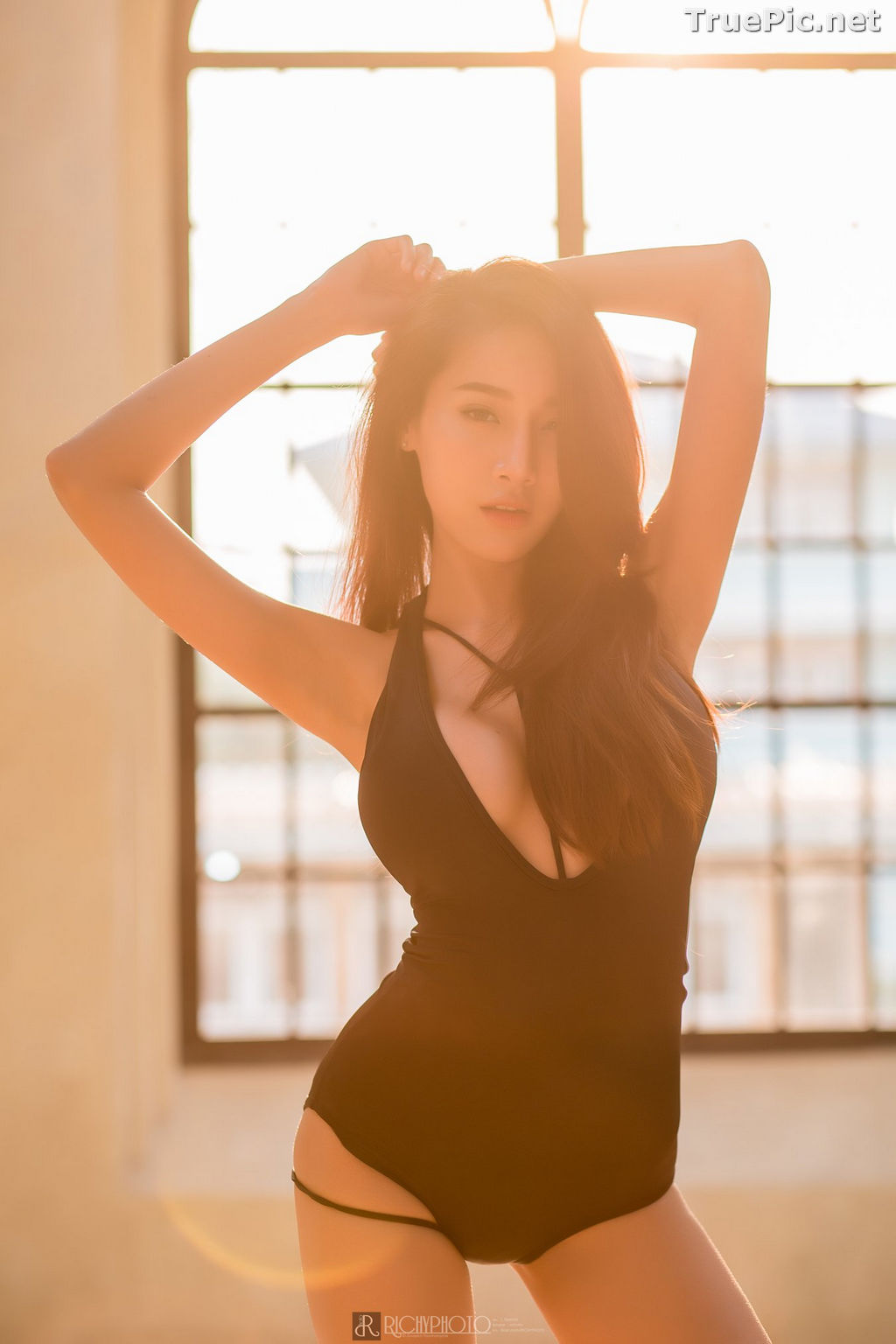 Image Thailand Model - Pichana Yoosuk - Black One Piece Swimsuit - TruePic.net - Picture-5