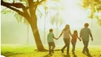 Renungan Minggu : Keluarga Allah (Family of God) Nats: 1 Yohanes 3:1