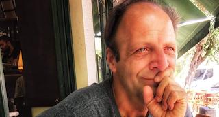 Δημήτρης Αποστόλου: Λιποθύμησε στη μέση του δρόμου - Το μήνυμά του στα social media