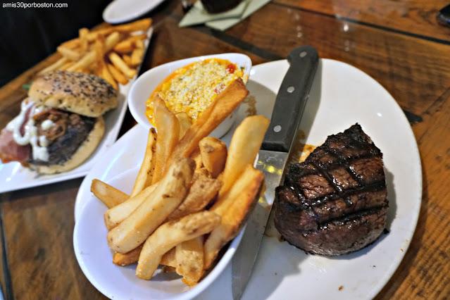 Almuerzo en la Taberna Tuckaway Tavern en New Hampshire
