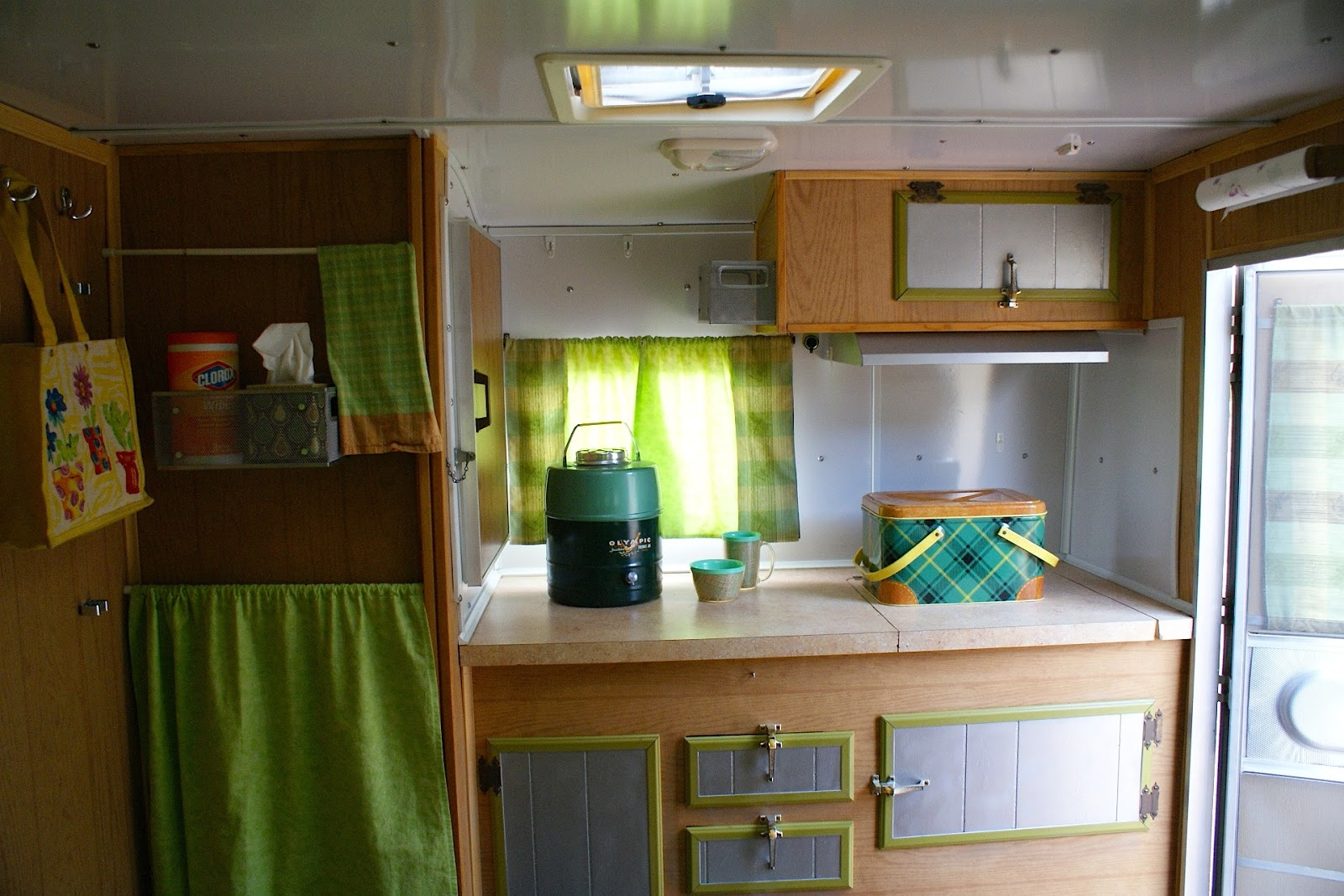 Reminisce...: our travel trailer interior