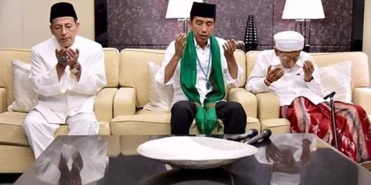 Mbah Moen dan Habib Luthfi Doakan Jokowi
