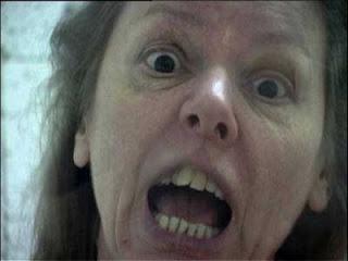 Capture écran d'Aileen Wuornos dans l'un de ses moments de colère, en interview