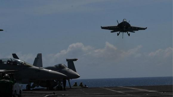 Không quân Mỹ cam kết 'không từ bỏ' tuần tra biển Đông