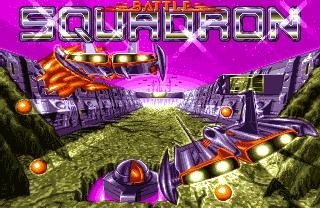 Captura de la pantalla de título de Battle Squadron, Commodore Amiga, 1988. Se muestra el título y debajo dos naves que sobrevuelan un entorno 3D