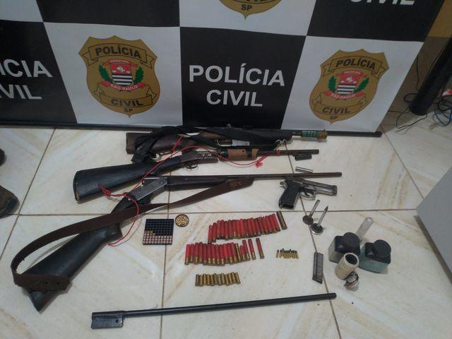 Polícia Civil prende Idoso que guardava diversas armas e munições em sua residência em Sete Barras
