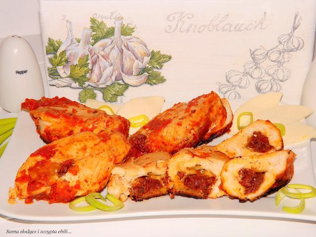 Piersi z kurczaka z pomidorami i Serem Korycińskim.