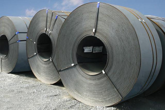 Đề xuất chưa tăng thuế nhập khẩu ưu đãi thông thường (MFN) với thép cuộn cán nóng của Bộ Tài chính được sự ủng hộ của các doanh nghiệp thép trong nước Ảnh: TẤN THẠNH