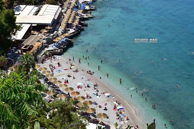 Πρώτη καλοκαιρινή εξόρμηση για μπάνιο στις παραλίες του Ναυπλίου