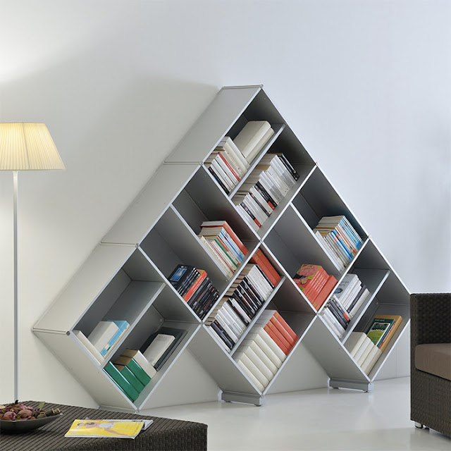Fitting rak buku Pyramid